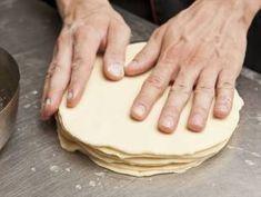 Vajas croissant recept lépés 6 foto Croissant, Bakery, Lime, Dishes, Recipes, Food, Easter, Breads, Limes