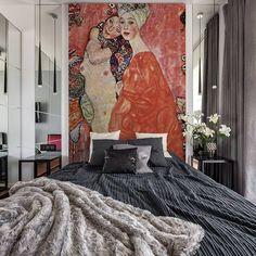 Who doesn't like Gustav Klimt? Little bit of art from master Interior Decorating Styles, Home Decor Styles, Interior Design, Dark Home Decor, Luxury Home Decor, Room Decor Bedroom, Home Bedroom, Asian Bedroom, Loft Design
