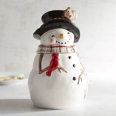 Pier 1 Imports Snowman Cookie Jar ($30) ❤ liked on Polyvore featuring home, kitchen & dining, food storage containers, snowman cookie jar, pier 1 imports and stackable food storage containers