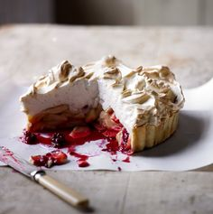 Apple meringue tart  - countryliving.co.uk