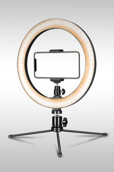 A ring light is a circular lamp (or flash) that surrounds the lens of a camera. Here are the best cheap ring light kits. Cheap Ring Light, Led Ring Light, Ring Light For Makeup, Gifts For Makeup Lovers, Cheap Lighting, Accessoires Iphone, Curved Wedding Band, Unique Diamond Rings, Anniversary Gift For Her