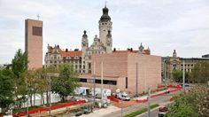 Cleane Kirche: Die neuen Probsteikirche St. Trinitatis in Leipzig, der größte Sakralbau im Osten seit dem Mauerfall, gebaut vom örtlichen Architekturbüro schulz&schulz.