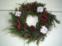 Εικόνες Pine Cone Christmas Tree, Christmas Tree Ornaments, Christmas Wreaths, Pine Cones, Holiday Decor, Diy, Diy Ornaments, Bricolage, Handyman Projects