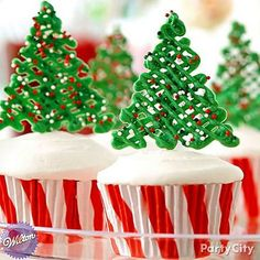 Top your cupcakes with drizzled Candy Melt Christmas trees! Click the pic to see how easy it is!