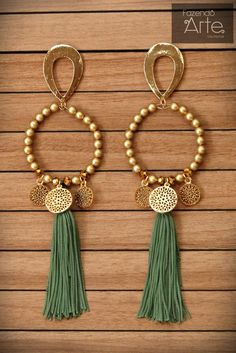 Trend in Earrings with Mota 2019 Tassel Jewelry, Wire Jewelry, Jewelry Crafts, Beaded Jewelry, Jewelery, Bead Earrings, Tassel Earrings, Fashion Earrings, Fashion Jewelry