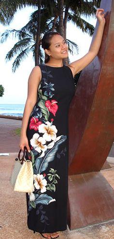 Love the blooming flowers on this Hawaiian dress.