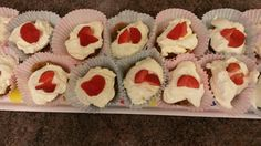 Mini cheesecakes ready for munching.