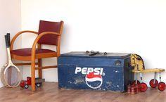 http://homegirllondon.com/wp-content/uploads/2013/04/Scaramanga-Pepsi-Cool-Box.jpg