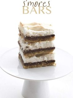 What's summertime without s'mores? Here's a s'mores recipe that won't break your carb budget. #smores #keto #ketodessert #lowcarb