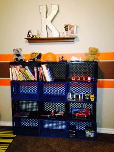 Superieur Old Milk Crates As Book And Toy Storage