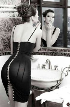Cool Stuff We Like Here @ CoolPile.com ------- << Original Comment >> ------- Sexy black dress