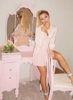 ♡Stay classy princess♡Pinterest: ♡Princess Ꭿnna-Louise♡ Girls Life, Girls Dream, Vintage Princess, Princess Style, Princess Diana, Gabriella Demartino, Princess Aesthetic, Vintage Pink, Girly Girl