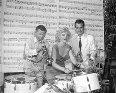 Marilyn making music