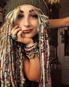 Why White Girls wear Dreadlocks White Girls with Dreadlocks/Gypsy lady with yarn and beads in her Dreads. Dreadlock Hairstyles, Boho Hairstyles, Wedding Hairstyles, Black Hairstyles, Dreads Girl, White Girl Dreads, Blonde Dreads, Beautiful Dreadlocks, Hippie Hair