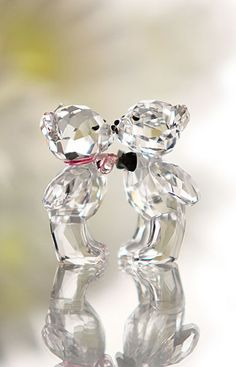 Swarovski Kris Bear, The First Kiss