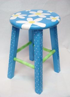 BlueWhiteFlowersStool
