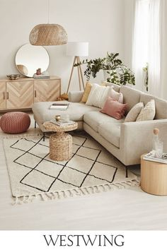 Cozy small living room decor ideas, include modern, rustic, and traditional and more. If you want to decor living, you can browse our website from time to time. Home Room Design, Small Living Room Decor, Living Room Decor Apartment, Small Living Room, Boho Living Room, Home Decor, Room Inspiration, Apartment Decor, Bedroom Decor