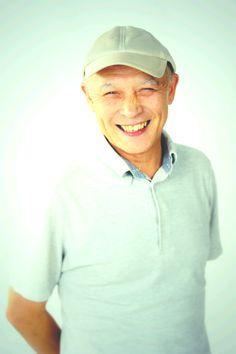 パーソナリティー◇熊谷正の『美・日本写真』/熊谷正(Tadashi Kumagai)長野県生まれ。東京綜合写真専門学校卒業、フリーのカメラアシスタントを経てスタジオベアーズ設立。広告、雑誌でイメージフォト、商品撮影、人物写真を中 心に撮影するかたわら民俗芸能、舞台芸能のルポルタージュフォトと、ふるさと回帰の写真撮影をライフワークにしている。(公社)日本写真家協会会員。イン ドネシア美術研究会会員。フォトボランティアジャパンメンバー。