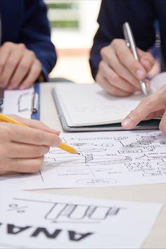 Prin definiție, analiza unei afaceri este disciplina de recunoaștere a nevoilor unei afaceri și de a gasi soluții la diverse probleme cu care acea afacere se confrunta. În cuvinte mai simple, este un set de sarcini și tehnici care funcționează ca legătură între părțile interesate. Acestea îi ajută să înțeleagă structura, politicile și operațiile organizației. De asemenea, pot recomanda soluții care să ajute afacerea să își atingă obiectivele. Playing Cards, Alternative, Game Cards