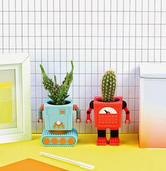 Planterbots, vasos em formatos de robôs retrôs.
