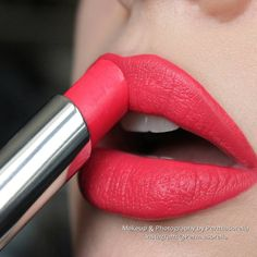 """""""NEW from @rimmellondonuk @rimmellondonus Cheeky Coral #TheOnly1 Lipstick Paired with; Call Me Crazy Exaggerate Automatic Lip Liner…"""