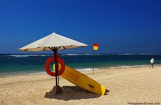 Nusa Dua beach - surf rescue