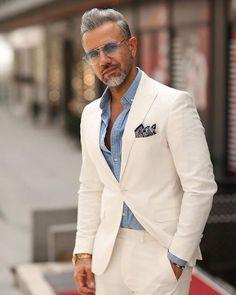 Dapper Gentleman, Gentleman Style, Sharp Dressed Man, Well Dressed Men, Men's Fashion, Fashion Styles, Burberry Men, Gucci Men, Versace Men