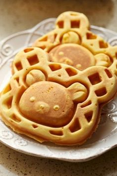 These look so yummy! I hope they're the kind of waffles that are sweet enough to eat alone. Cute Food, Good Food, Yummy Food, Cute Desserts, Dessert Recipes, Comida Disney, Kawaii Dessert, Little Lunch, Japanese Sweets