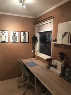 Hobbyrom Hobby Room, Guest Room, Corner Desk, Furniture, Home Decor, Corner Table, Decoration Home, Room Decor, Home Furnishings