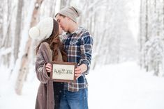 Pregnancy announcement photos.  Love @jenhammer's blog and so excited for her :)