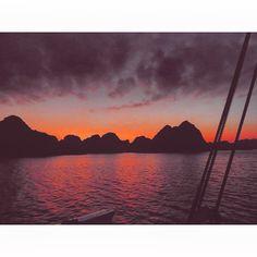 Cruising Ha Long Bay.. 🌅✨