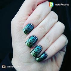 Love this layered look with #butterflydreamjn layered over #atlantisjn #repost #jamberry #jamberrynails #momlife #sahm #wahm @jennmascari here's an example of Butterfly Dream layered over a sparkle wrap ;)