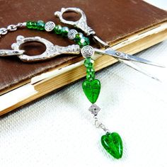 Handmade beaded Celtic Irish Ireland scissors fob silver emerald green glass bead free scissors mothers day sewing crafting tagt team rdtt