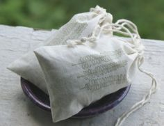 DIY Organic Bath Tea + Salt Soak Recipe - Perfect for Handmade Gifts, Stocking Stuffers, and Wedding Favors! - Soap Deli News DIY Bath Tea + Salt Soak Recipe - Easy DIY Bath Beauty + Spa Project - Makes a Great Homemade Mother's Day Gift Beauty Spa, Diy Beauty, Beauty Stuff, Beauty Makeup, Diy Simple, Easy Diy, Diy Tea Bags, Deli News, Organic Bath Bombs