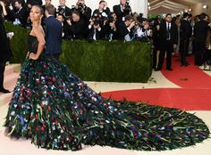If there's ever a time and place to peacock, it's at the 2016 Met Gala?just ask Zoe Saldana. The ...