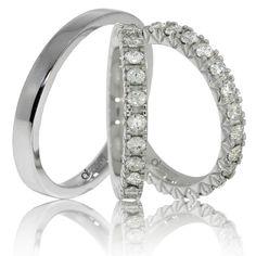 Verighetele ATCOM Lux QUEEN din aur alb sunt impodobite cu o banda formata din 24 de pietricele de 2.00 mm. Queen, Engagement Rings, Jewelry, Enagement Rings, Wedding Rings, Jewlery, Bijoux, Schmuck, Pave Engagement Rings