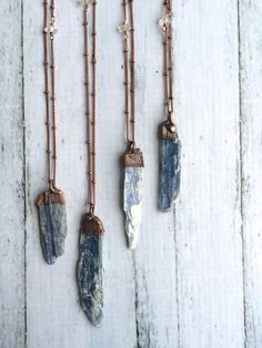 Kyanite crystal necklace Raw kyanite jewelry Raw por HAWKHOUSE