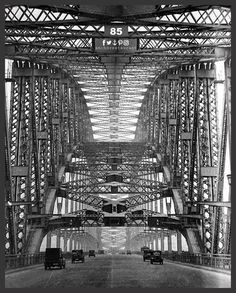 Today on the 20th of March 1932 Opening of the #SydneyHarbourBridge; the first cars at the toll bar. 📷 Photo by #SamHood 🍕 Pizza's by ⚓ ANCHOR Cafe & Restaurant - Taste the difference!  #sydneyharbour #anchorcafe #anchorrestaurant #anchorestaurant #milsonspoint #kirribilli #lavenderbay #northsydney #nthsyd #lowernorthshore #neutralbay #mosman #crowsnest #sydneyrestaurants #sydneycafes #sydneyrestaurant #sydneycafe #sydneydining #sydneypizza #sydneydessert #wineanddine #pizzaandpasta
