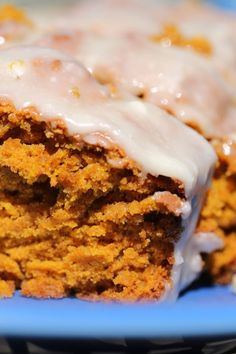 Easy Moist Pumpkin Bread recipe with browned butter maple icing that smells amazing while baking in the warm oven. This bread is a crowd pleaser. Soft Pumpkin Cookies, Moist Pumpkin Bread, Pumpkin Dessert, Bread Recipes, Cake Recipes, Dessert Recipes, Breakfast Recipes, Canned Pumpkin Recipes, Sour Cream Banana Bread
