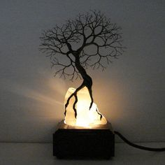 Wire tree lamp