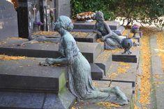 """ΕΛΕΥΘΕΡΗ ΕΛ-ΛΑΣ, χωρίς κόμματα καί ιδεολογίες: Απίστευτο και όμως αληθινό : Τα παίρνουν όλα οι """"δ... Garden Sculpture, Lion Sculpture, Ancient Greece, History, Outdoor Decor, News, Cemetery, Fountain, Statues"""