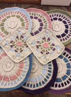 By Ellen Berry Hall Crochet Blocks, Crochet Granny, Hand Crochet, Crochet Afghans, Knitted Blankets, Mosaic, Projects To Try, Quilts, Stitch