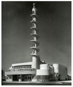 Academy Theatre, Inglewood, California 1939 architect S Charles Lee art deco Art Nouveau, Amazing Architecture, Interior Architecture, Bauhaus Architecture, Estilo Art Deco, Art Deco Stil, Streamline Moderne, Art Deco Buildings, Googie
