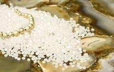 Oberflächen aus Quarzstein strahlen eine erstklassige Eleganz aus. Quarzstein ist ein Material mit anziehenden Farben und sanften Texturen. http://www.caesarstone-deutschland.com/quarzstein-produkte-quarzstein