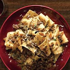 Use vegetable stock to make this rustic Porcini-Parsley Pasta | http://www.rachaelraymag.com/Recipes/rachael-ray-magazine-recipe-search/rachael-ray-30-minute-meals/porcini-parsley-pasta