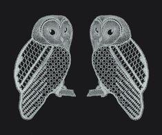 bobbin lace tawny owls by Januet Hairpin Lace Crochet, Crochet Edgings, Crochet Motif, Crochet Shawl, Strix Aluco, Tawny Owl, Bobbin Lacemaking, Bobbin Lace Patterns, Loom Patterns