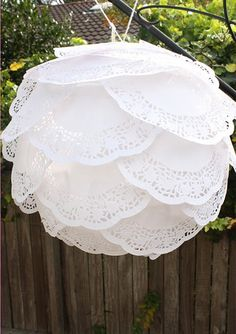 DIY paper lanterns tutorials and best ideas. Decorate paper lanterns with glitter, doilies, paint and more. Decorate kids room, nursery, parties using DIY Paper Doily Crafts, Paper Lace Doilies, Doilies Crafts, Doily Wedding, Paper Doilies Wedding, Paper Flowers, Hanging Flowers, Diy And Crafts, Recycled Crafts