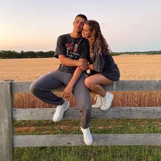 Cute Couples Photos, Cute Couple Pictures, Cute Couples Goals, Couple Goals, Couple Photos, Teen Couples, Prom Pictures, Relationship Goals Pictures, Cute Relationships