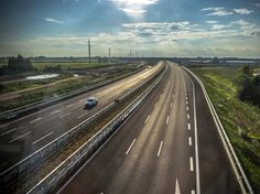 In questi giorni il Cipe dovrà decidere se concedere alla Brebemi, la società che ha costruito ed concessionaria dell'omonima autostrada Milano - Brescia, la defiscalizzazione dell'opera per 500 mi...