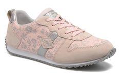 Palladium est née en France en 1927. Elle fabrique alors des pneus pour l'armée et invente un procédé révolutionnaire, la vulcanisation du caoutchouc et de la toile. En 1947, elle ouvre sa première fabrique de chaussures utilisant le même principe. Solide ...
